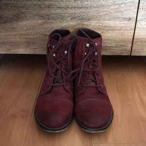 Steve Madden brick red boots